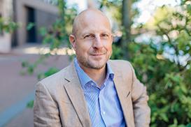 Marten Zwanenburg named professor of Military Law