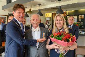 Terry Gill enters Order of Oranje Nassau